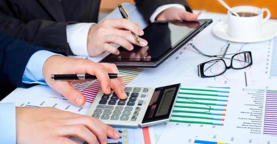 Đối với doanh nghiệp, kế toán giữ vai trò quan trọng