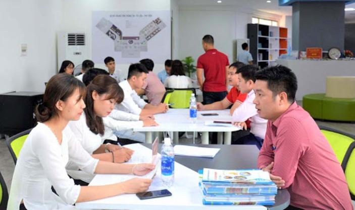 Cần tìm hiểu kỹ về các khóa học hành chính nhân sự trước khi đăng ký