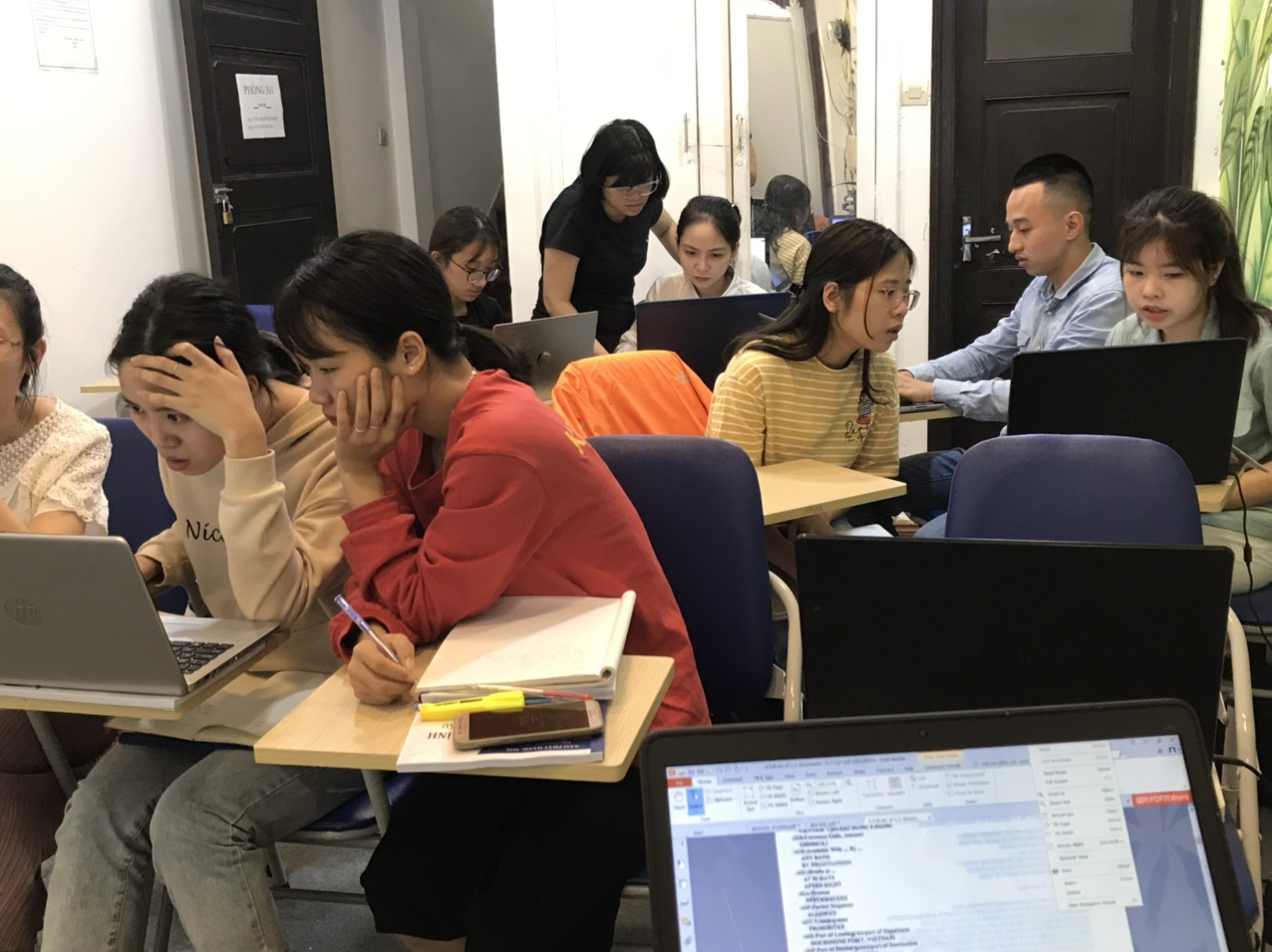 Lớp học nghiệp vụ hành chính nhân sự tại VinaTrain (Nguồn: VinaTrain)