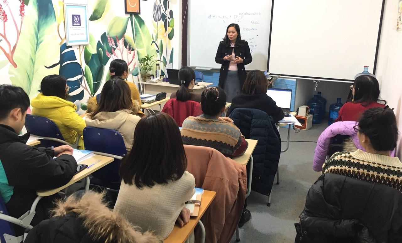 Hình ảnh lớp học nghiệp vụ tại trung tâm VinaTrain đào tạo xuất nhập khẩu